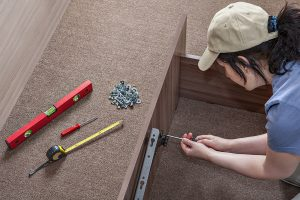how to fix a squeaky bed frame